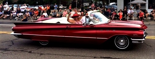 parade buick.jpg